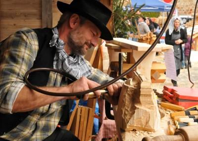 vieux-metiers-sculpteur